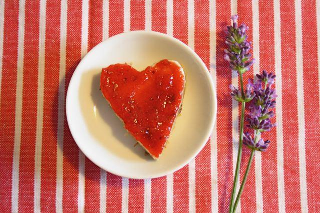 kitchencat-erdbeerherz