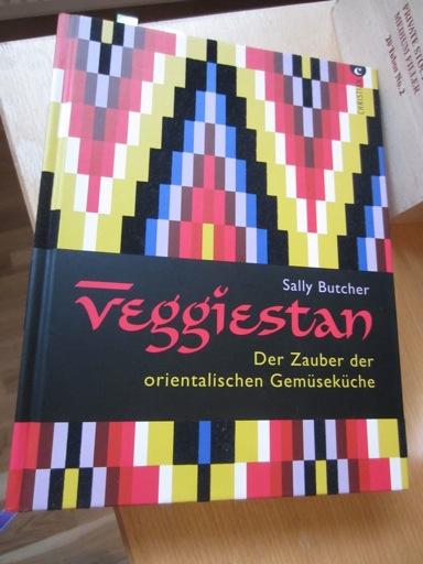 kitchencat-veggiestan1